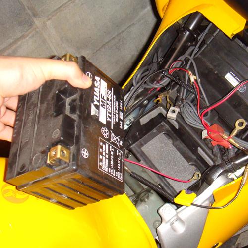 バッテリー交換です。